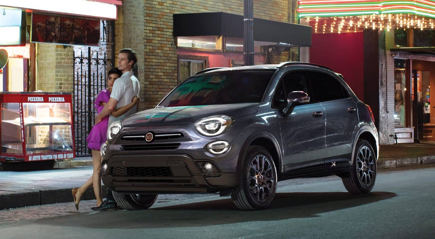 Display The 2019 Fiat 500X Trekking Urbana features Bifunctional LED Projector Headlamps with an automatic on-off feature, plus standard fog and cornering lamps and Daytime Running Lamps.